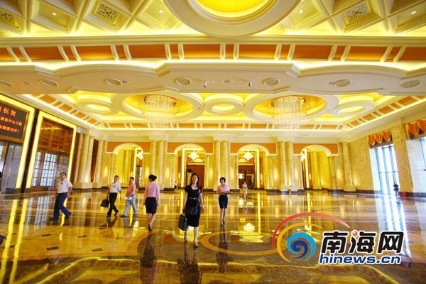 新闻中心 海南新闻 独家报道 正文        海南国际会展中心大厅(南海