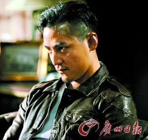 《窃听风云2》中吴彦祖出演的角色一脸狠辣.