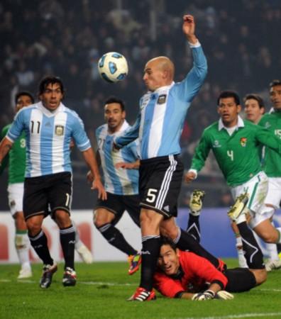 阿根廷VS玻利维亚 坎比亚索错单刀