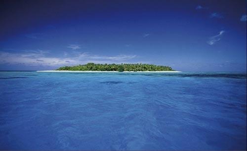 首都富纳富提位于主岛上,方圆不超过2平方公里.