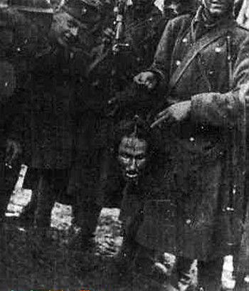 二战克罗地亚乌斯塔沙分子大斧砍人头
