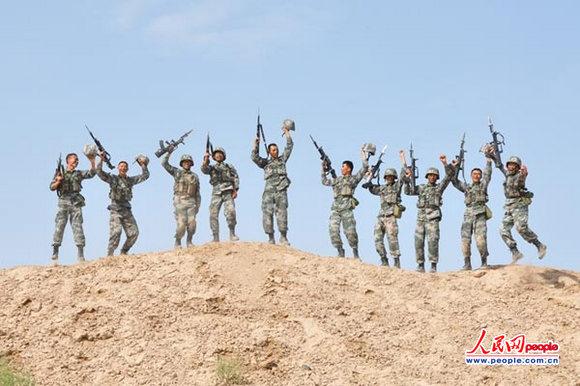 部隊慶祝訓練板報