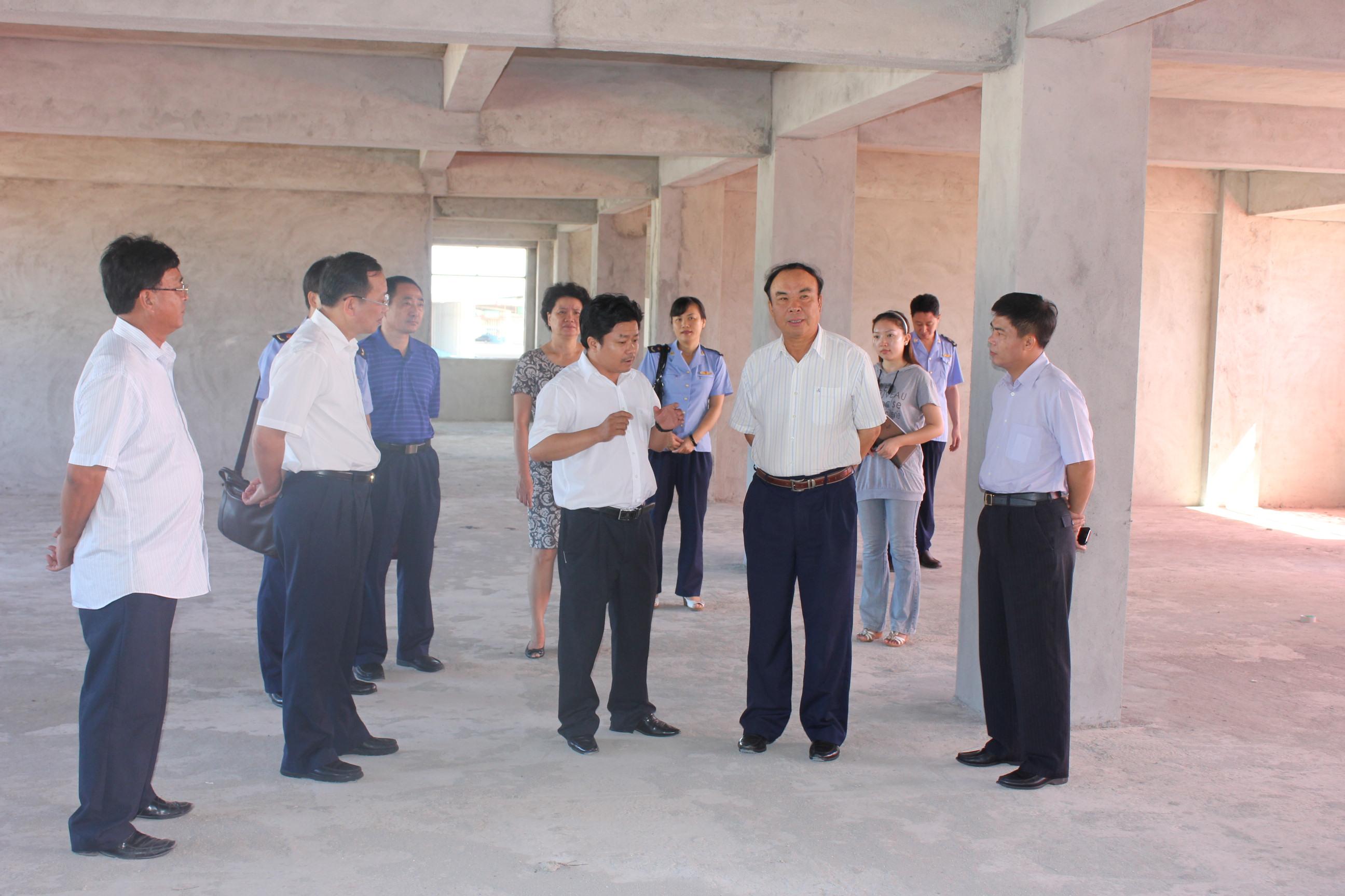 海南省工商局黄成模局长到海口工商局调研检查