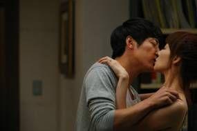 吻戏视频吻戏床大全日本美女激情诱惑人体艺_崔智友与尹相铉上演激情吻戏