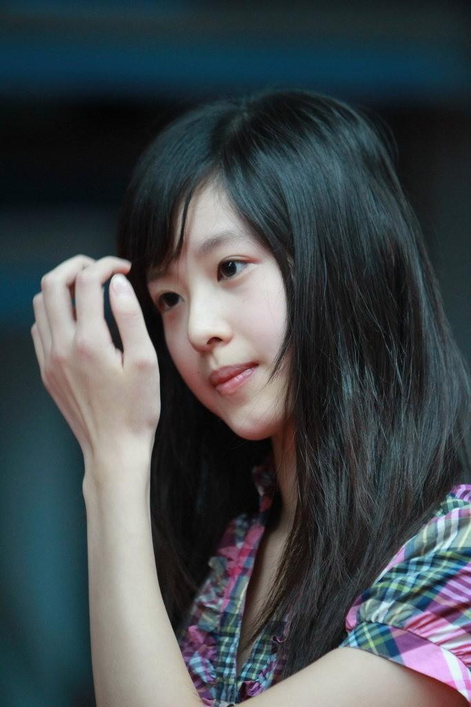 奶茶妹妹日本走红 日网民称强过韩国整形美女