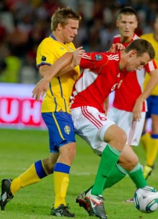 热身赛匈牙利2 1瑞典 斯文森连拉带拽