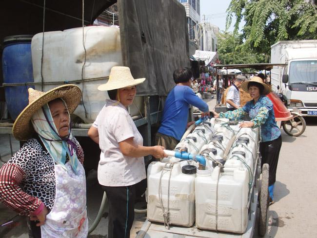 两桶水共重36千克