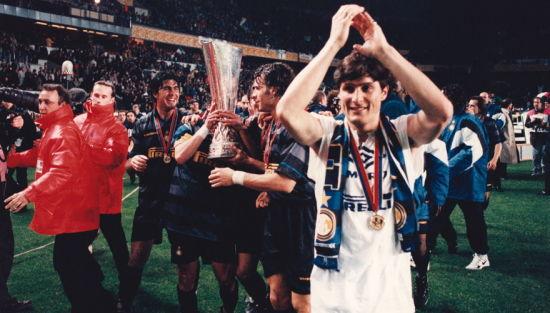 萨内蒂国米生涯回顾 庆祝联盟杯