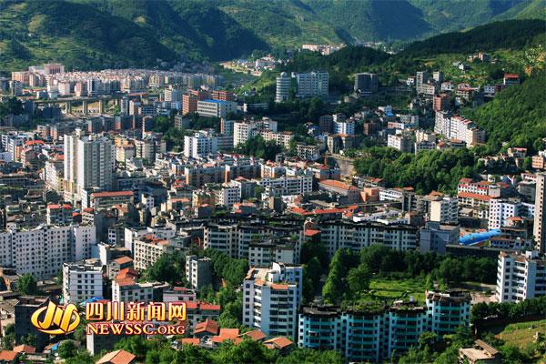 四川万源:构建中国西部现代山水森林城市图片