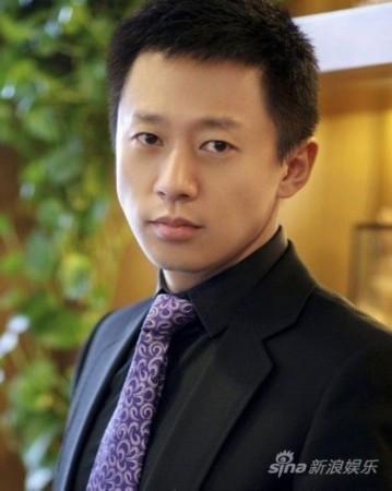 相关资料 OFFICIEL公益优雅女星评委 白云峰