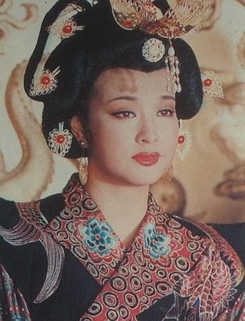 武则天_刘晓庆殷桃李湘 史上最全武则天扮相经典对比