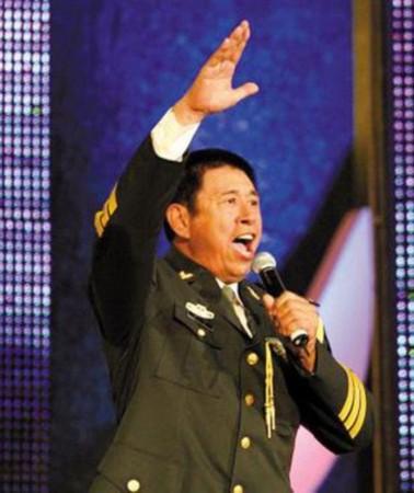 程志:总政歌舞团国家一级演员,副军级待遇.-细数将军军衔明星 宋