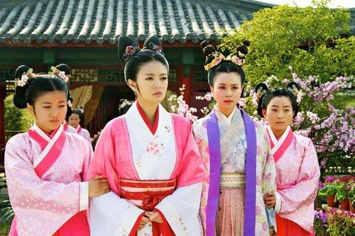 宫廷斗争的古装大戏《后宫》日前正在浙江卫视热映中.其中扮高清图片