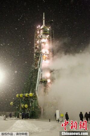 俄罗斯 联盟TMA 22 载人飞船发射升空图片 37598 299x450
