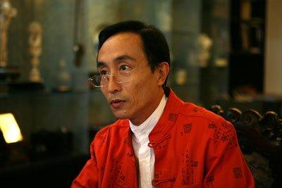巩汉林客串《爱的契约》 颠覆形象刻画精明商人图片