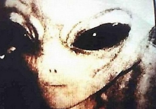 狂野UFO目击事件盘点:西部牛仔与外星人传说-全球离奇UFO目击事