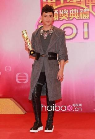 tvb颁奖礼2011_黄宗泽亮相2011年香港tvb台庆颁奖礼