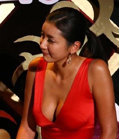 sex女视频_女主播性爱视频露下体 靠激情床戏红了的女星