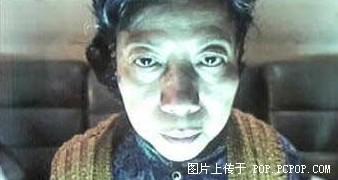 香港爱演鬼片的老婆婆_《潜伏》演员吉思光上演真实版潜伏 网友:逃犯也疯狂