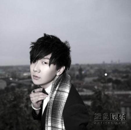 林俊杰(微博)新专辑预购版写真封面.-林俊杰新碟预购封面写真曝