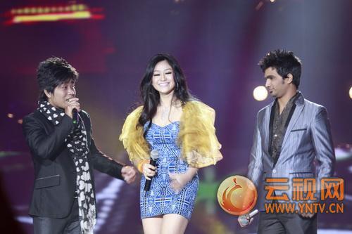 歌手(左起):苏特烈宫(柬埔寨)波比卡贝拉(印尼)拉夫蒂瓦利(