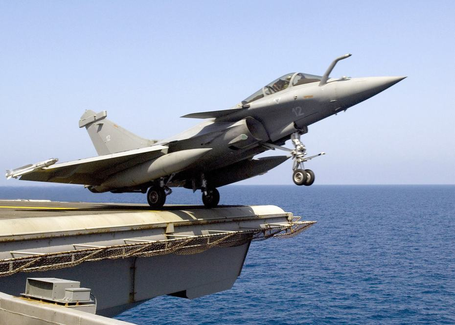 军事资讯_新闻中心 军事新闻 武器装备 正文    阵风战斗机是法国达索飞机公司