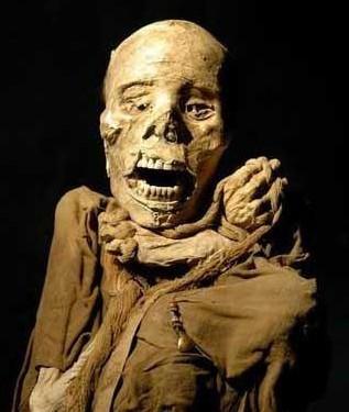 恐怖!秘鲁震撼人心的干尸阵-秘鲁干尸阵曝光