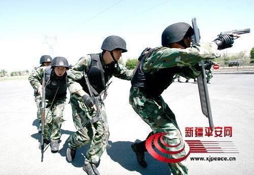 新疆恐怖分子杀人视频,新疆恐怖分子割头视频,新疆恐怖分子... 图片 47k 500x346