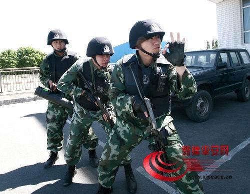 新疆恐怖分子杀害我公安 7暴徒被当场击毙 南 图片 51k 500x389