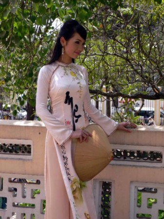 充满古典神韵的越南传统美女