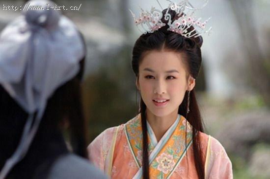 刘亦菲和黄圣依像吗