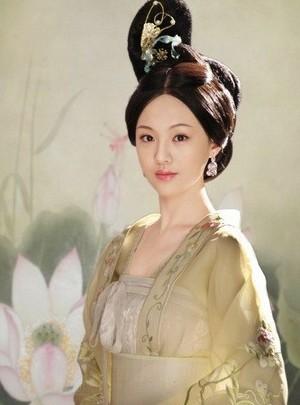 90后小美女郑爽此次是首次出演古装戏,饰演的太平公主娇憨可爱,更是收