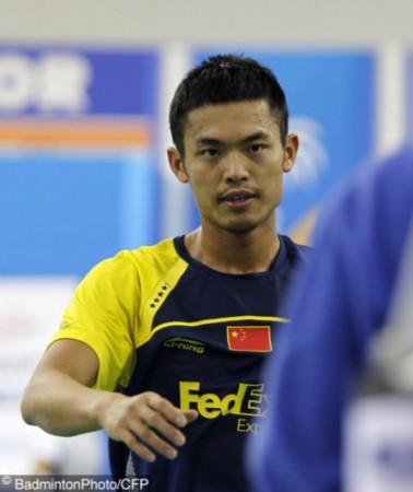 韩国羽球超级赛次轮赛况 林丹与李铉一握手