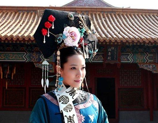 慈安太后年轻的照片_《瀛寰志略》为主线,剧中人艺演员秦丽饰演慈安太后.
