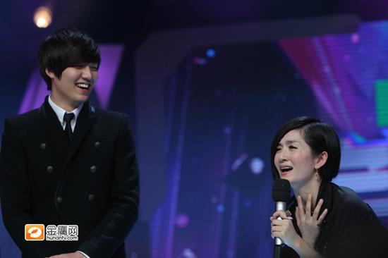 李敏镐亮相《快乐大本营》 与谢娜搞笑互相表白   摄-李敏镐登陆 快乐