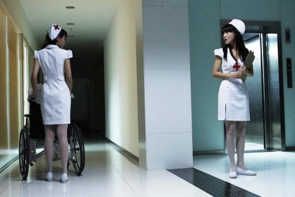 女星身穿护士制服性感