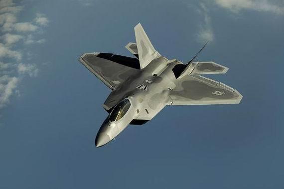 军事资讯_新闻中心 军事新闻 外媒报道 正文    f-22隐身战机   据《航空周刊》
