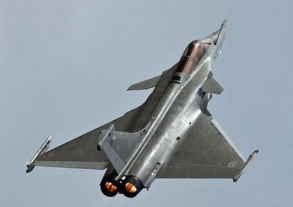 阵风战斗机-印度敲定110亿美元大单 达索大赚一笔图片
