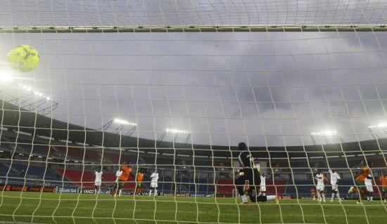 图文-[非洲杯]赞比亚3-0苏丹 卡通戈点球补射破门