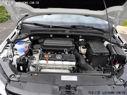 『新速腾1.6l发动机舱』
