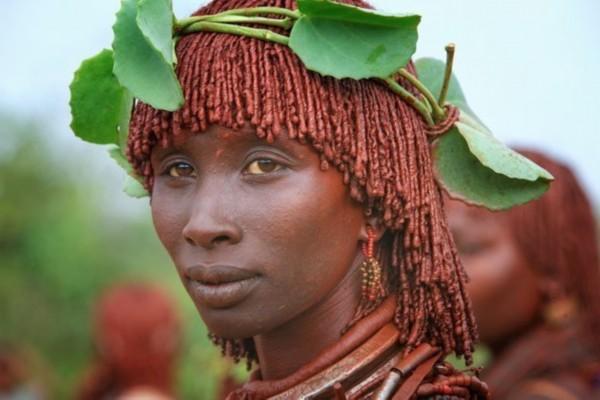 中国原始部落女人