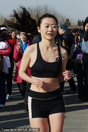 图文 奥林匹克公园光猪跑比赛