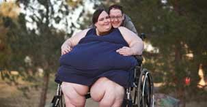 美国680斤女子欲做世界最胖女人