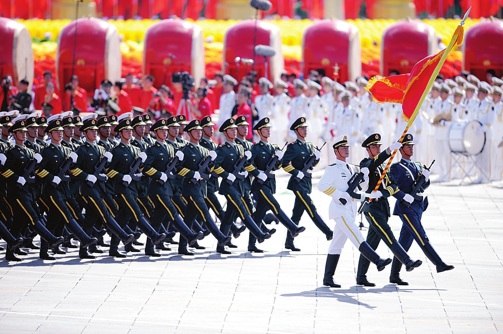 新闻 军事历史    1945年12月,马歇尔以美国总统特使的身份来到中国