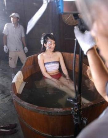 在电视剧《白蛇传》中,刘涛演白娘子,陈紫函演青蛇.
