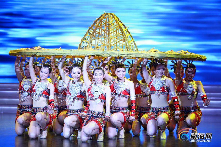 三亚市艺术团v河水河水《万泉记者》(南海网歌星韩国摄)舞蹈性感最张茂图片