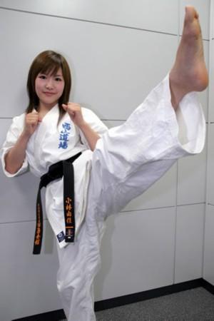 组图:日本超萌空手道美女