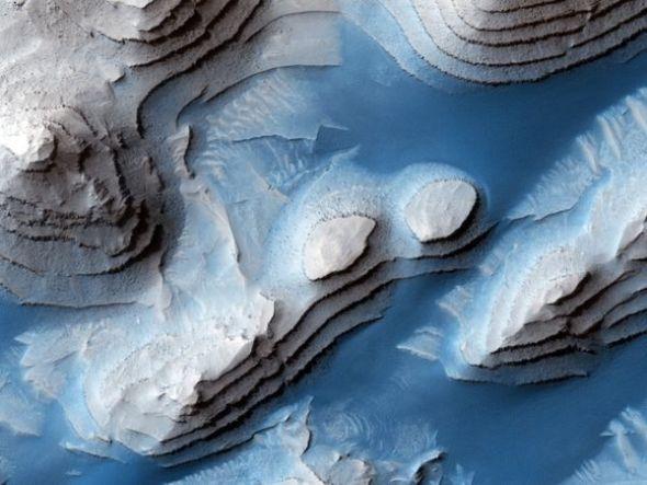 一周太空图片精选:火星爆发尘暴高20公里(图)