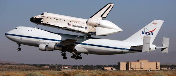 """作为首架退役的航天飞机,""""发现""""号可谓功勋卓著——在27年的服役"""