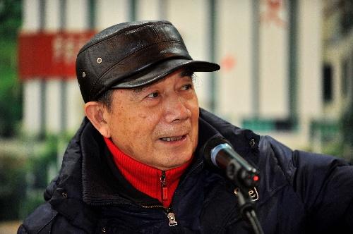传奇教练汤仙虎青岛招弟子 谈笑风生